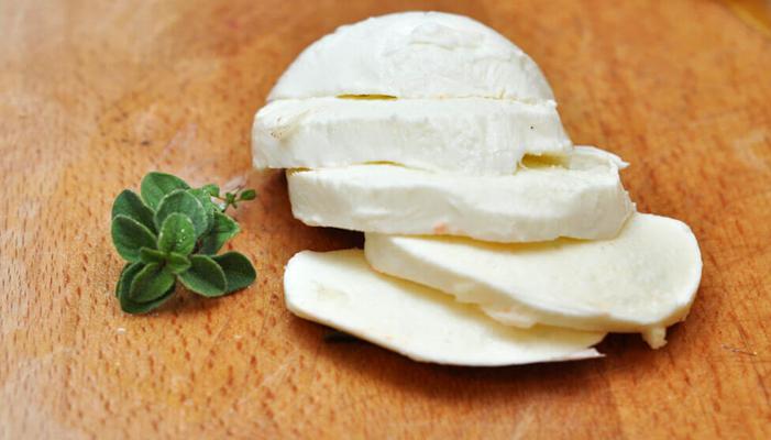 uso de la leche para hacer el queso