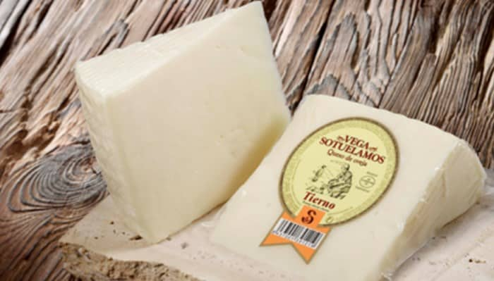 Que leches se emplean para el queso tierno