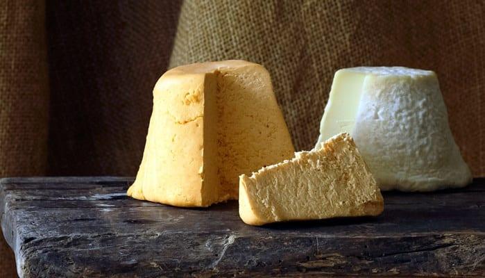 Certámenes y Salones Gastronómica del queso Afuega'I Pitu